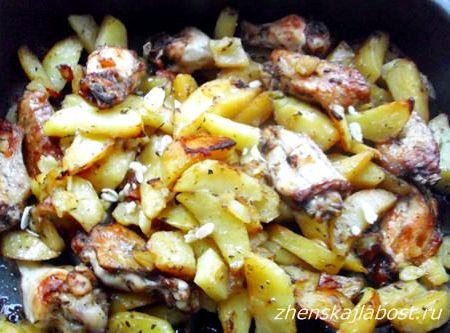 запечь крылышки с картошкой в духовке рецепт