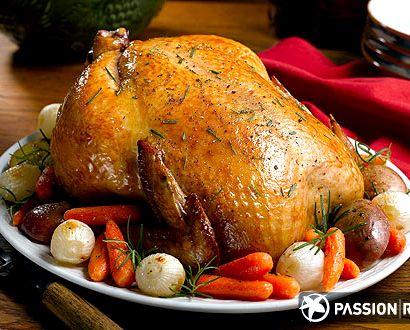 Как правильно зажарить курицу целиком в духовке