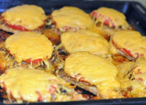 отбивные из говядины в духовке с помидорами
