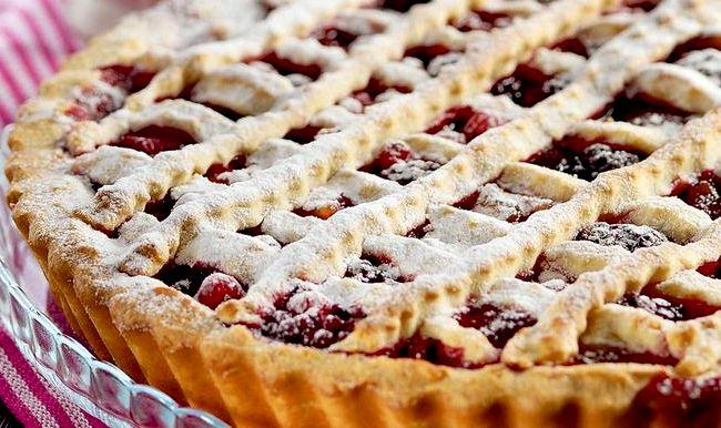 Быстрый пирог с замороженными ягодами в духовке рецепт с