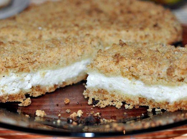 Пирог с творогом в духовке крошка