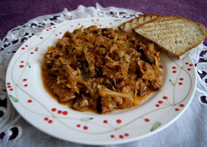 Рецепт бигуса из свежей капусты с мясом