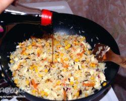 Рецепт рис с яйцом и овощами по-китайски