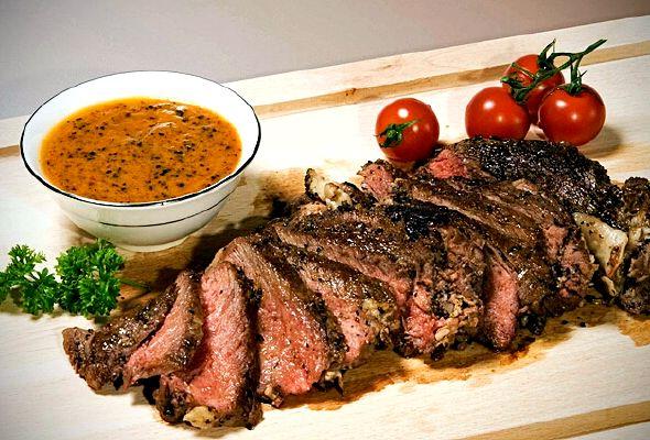 стейк из говядины на сковороде рецепт с фото в домашних условиях