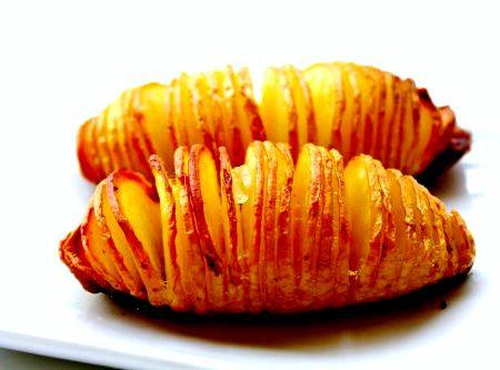 Картошка гармошка в духовке с беконом рецепт с фото