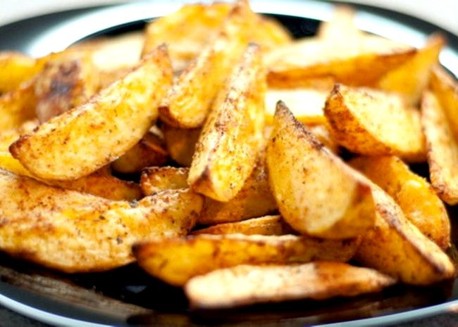 Картошка по деревенски на сковороде рецепт с фото