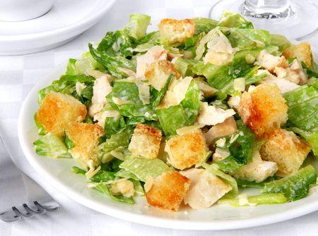 Классический салат цезарь с курицей рецепт с фото