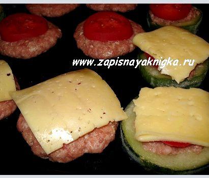 Котлеты в духовке рецепт с фото с сыром и помидорами