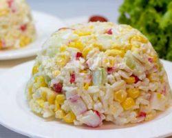 Крабовый салат рецепт классический с кукурузой