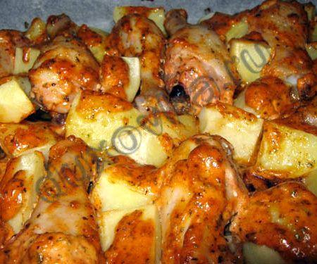 Куриные бедрышки с картошкой в духовке рецепт с фото