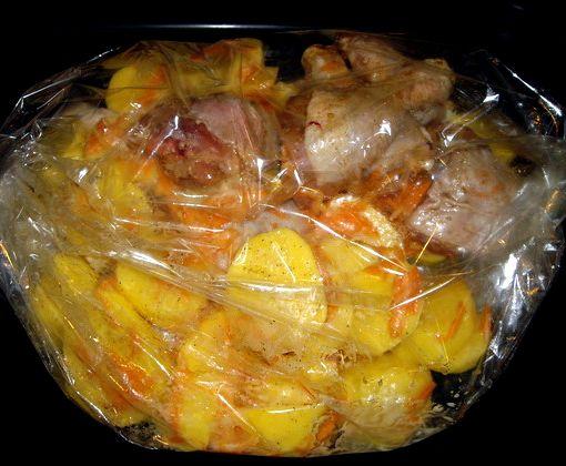 Куриные ножки в рукаве с картошкой в духовке рецепт с фото