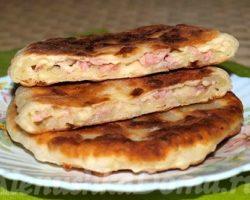 Лепёшки на кефире с сыром рецепт с фото