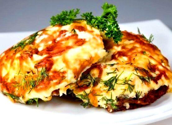Мясо запеченное в духовке с помидорами и сыром рецепт с фото