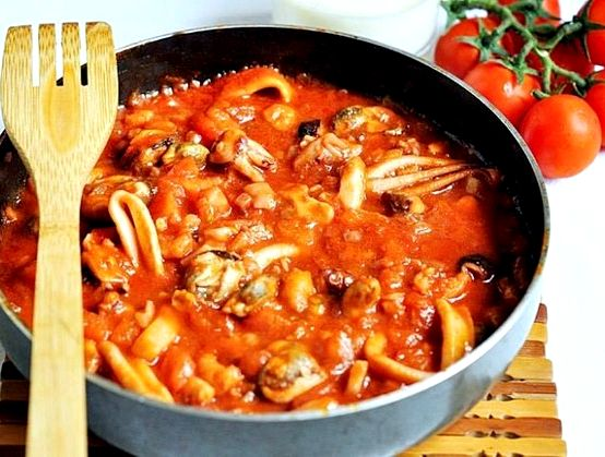 Паста с морепродуктами в томатном соусе рецепт с фото