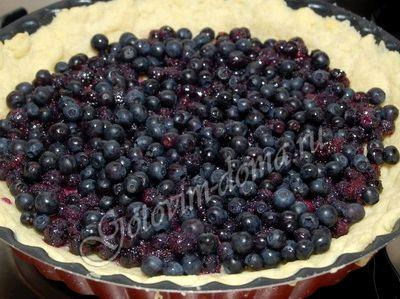 Песочный пирог с черникой рецепт с фото