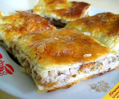 Пирог из слоеного теста с фаршем рецепт с фото