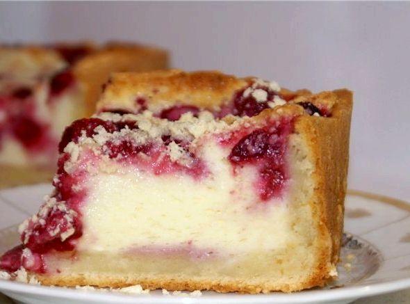 Пирог с малиной и творогом рецепт с фото