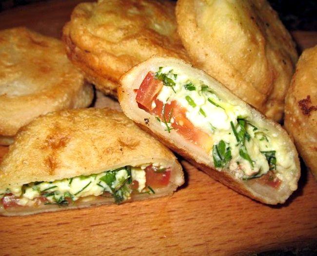 Пирожки бомбочки с помидорами и творогом рецепт с фото