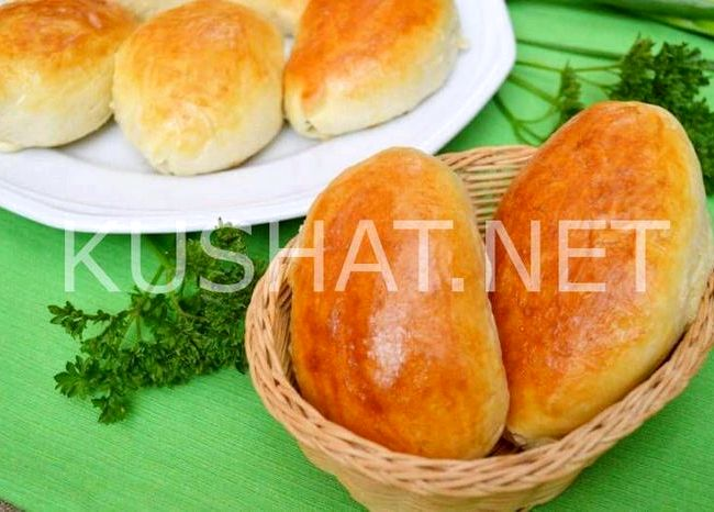 Пирожки с луком и яйцом в духовке пошаговый рецепт