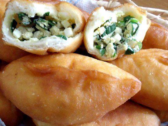 Пирожки с зелёным луком и яйцом жареные рецепт с фото