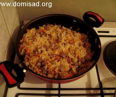 Плов в сковороде со свининой рецепт с фото