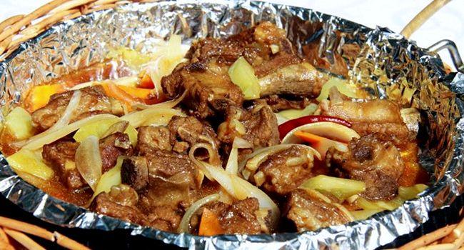 Ребрышки свиные в духовке с картошкой простой рецепт
