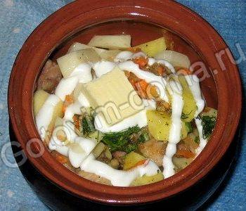 Рецепт картошка с мясом в горшочках в духовке