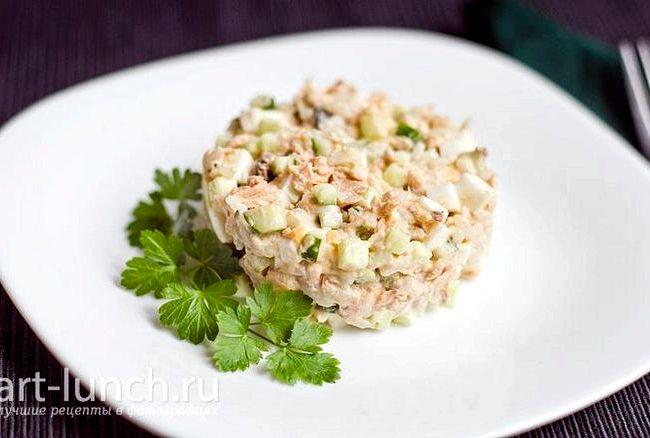 Рецепт с фото салат из консервированной горбуши