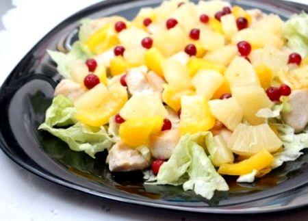 Салат из курицы вкусный и простой рецепт