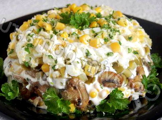 Салат с грибами и курицей рецепт с фото