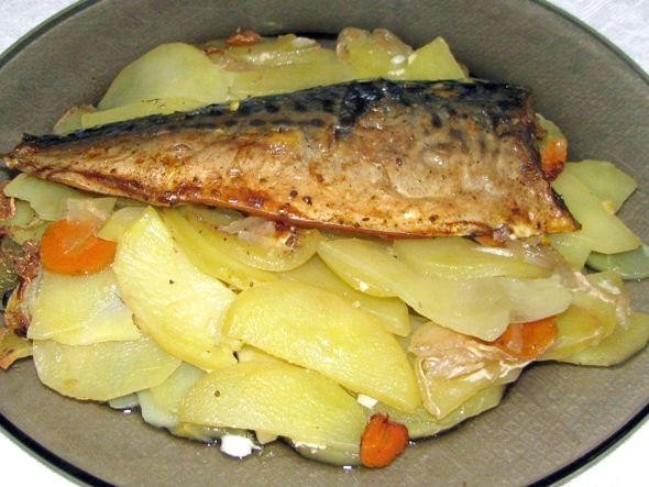 Треска запеченная с картошкой в духовке рецепт с фото