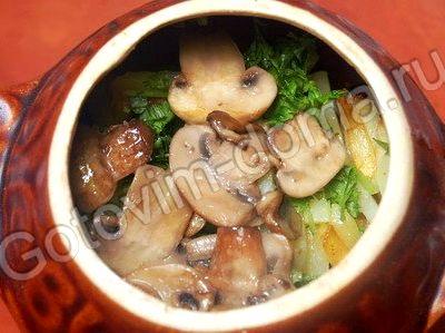 Жаркое в горшочках с грибами мясом и картошкой в духовке рецепт с фото